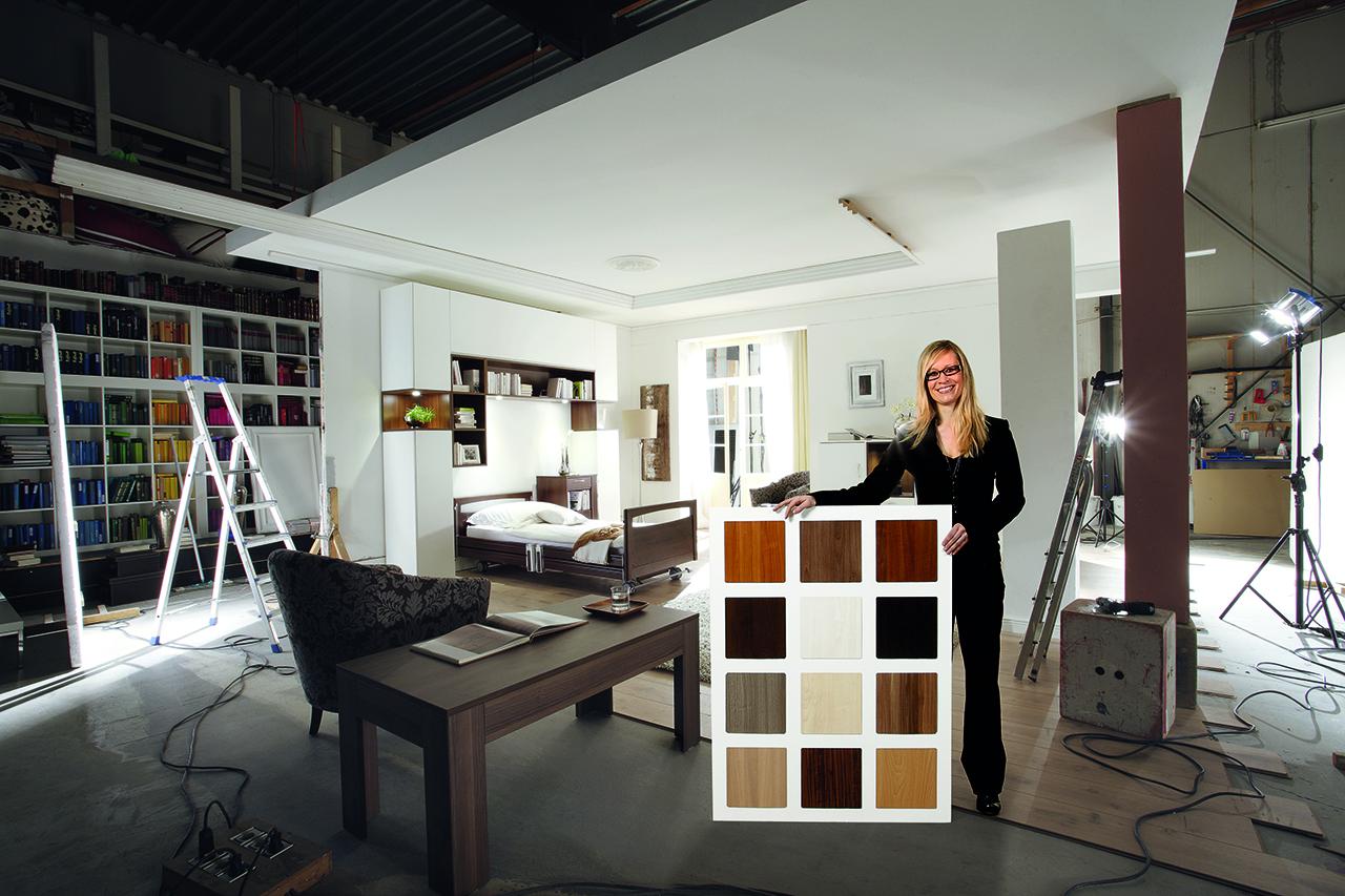 kobieta próbki kolorów